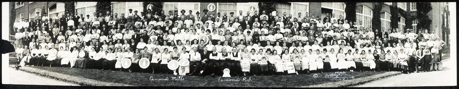 Esmond Mills employees group shot, 1920.